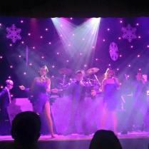 Swing show at Warner